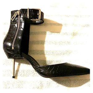 SCHUTZ black leather croc print Heels